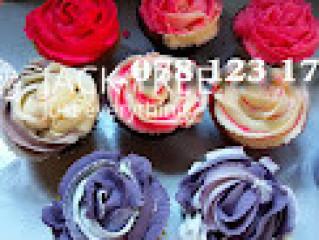 Wedding cake pieces