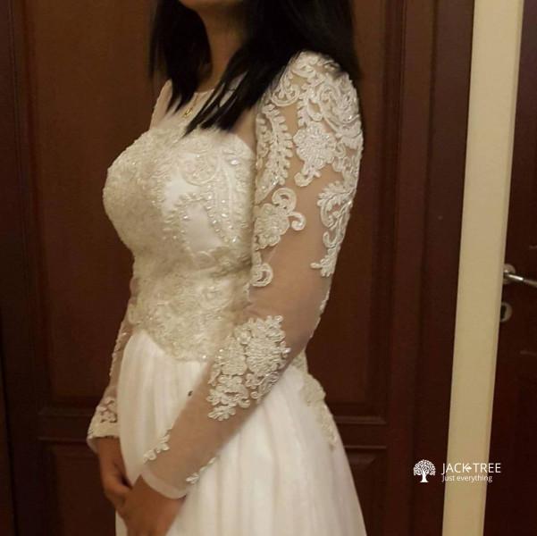 these-beautiful-dresses-big-0