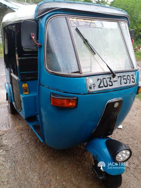 bajaj-3-wheel-203-big-0
