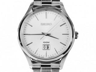 SEIKO SUR019P1-Mens Watch / White dial enhance by black hand