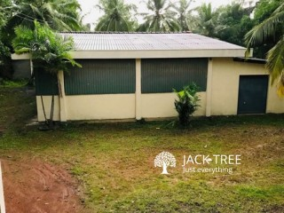 Building For Rent at Hokandara