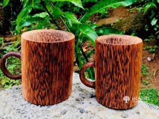 පෙනුමෙනුත් අනර්ඝ ලොකු පොඩි කාටත් තේ එකක් බොන්න wooden  කෝප්ප
