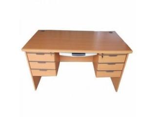 Melamine 4x2ft Office Table