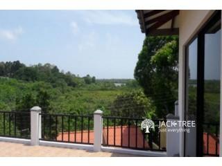 Luxury split level House for Sale in Bolgoda