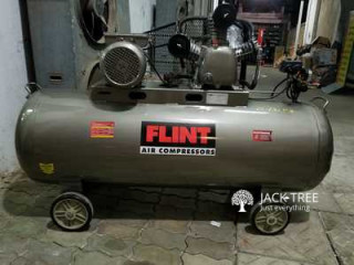 Flint Air Compressor 300 L 12.5 Bar