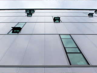 Unitized Large-Spanning High Insulation System for Facades
